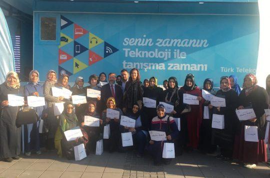 Türk telekom kadınlara teknoloji eğitimi veriyor