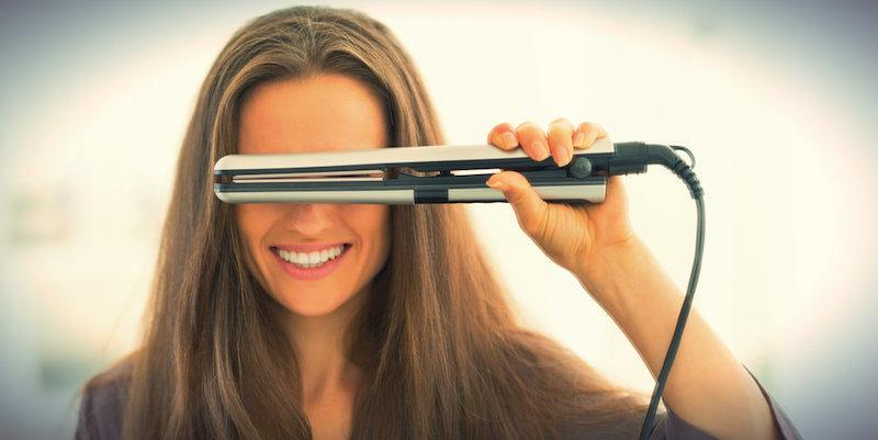Saç düzleştirici alırken dikkat etmeniz gerekenler - Pembe Teknoloji